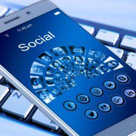 redes sociales mom mkt